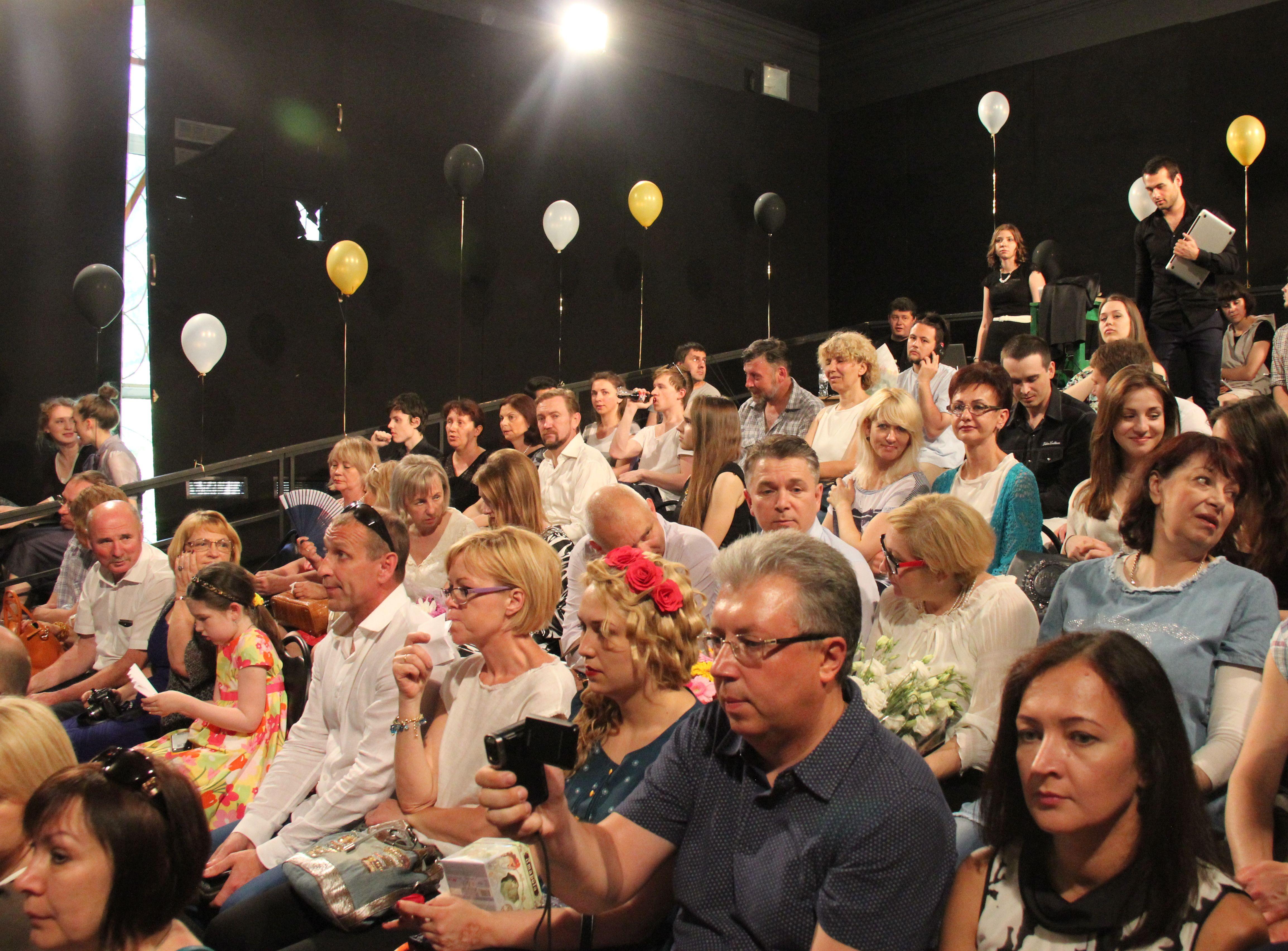 июня во ВГИКе прошло вручение дипломов выпускникам актерской  20 июня во ВГИКе прошло вручение дипломов выпускникам актерской мастерской А Я Михайлова
